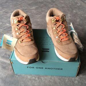 NIB TOMS Cascada Ankle Boots